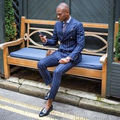 The meaning of life. The wasted years of life. The poor choices of life. God answers the mess of life with one wor Mens Casual Suits, Mens Fashion Suits, Mens Suits, Dapper Suits, Dapper Gentleman, Gentleman Style, Street Style Suit, Herren Style, Suit And Tie