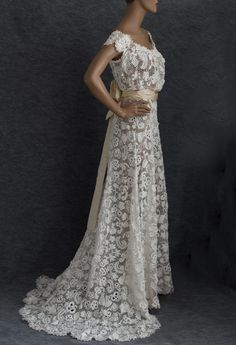 Vintage wedding dress I want this as my dress its beautiful!