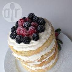 Naked Cake mit Vanille, Mascarpone Creme und Beeren @ de.allrecipes.com