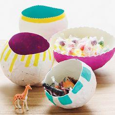 Craft: DIY papier-mâché balloon bowl - New Site Diy Craft Projects, Paper Mache Projects, Paper Mache Crafts, Diy Projects For Teens, Crafts For Teens, Kids Crafts, Craft Ideas, Paper Mache Balloon, Paper Mache Bowls