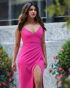 Priyanka Chopra - Most Beautiful Girls Priyanka Chopra Images, Actress Priyanka Chopra, Priyanka Chopra Hot, Indian Bollywood Actress, Beautiful Bollywood Actress, Beautiful Indian Actress, Indian Celebrities, Bollywood Celebrities, Hot Actresses