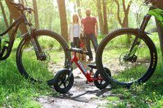 Mountain Biking Pregnancy Announcement taken by Avenue 8 Photography in Eagle, ID