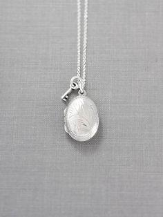Collar medallón de delicada Oval plata Simple grabado Vintage