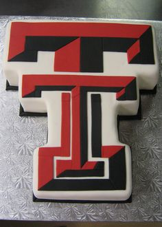 Texas Tech -Ok ... not yhe most gorgeous cake, but it Tech so it's a MUST PIN.  :D