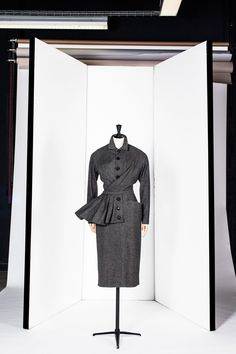 "Christian Dior, ""Bernique"" day set, a/w '50 Picture credit: Galleria Roger Viollet via Suzy Menkes column - Fifties fashion (Vogue.com UK)"