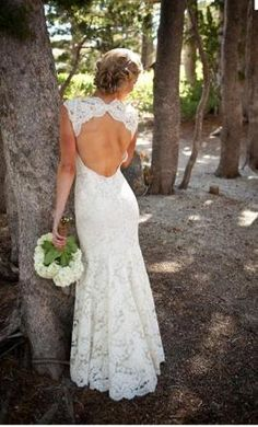 Used Monique Lhuillier Wedding Dress Scarlet, Size 4  | Get a designer gown for (much!) less on PreOwnedWeddingDresses.com