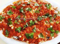 FETTE İştah açıcı nefis bir Meze & Salata tarzında bir tariftir. Tek başına bir öğün olabilir. Turkish Salad, Bruschetta, Fett, Chana Masala, Tapas, Pasta, Food And Drink, Vegetarian, Kitchens