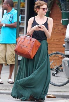 Carrie Mulligan.... i hv a thing for skirts of these kind.. and the bag is good too..