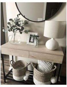 Hallway Table Decor, Entryway Console Table, Console Tables, Hallway Ideas, Ikea Hallway, Front Entryway Decor, Console Table Living Room, Console Table Styling, Wall Decor