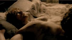 Pin for Later: 23 Steamiest TV Sex Scenes of 2014 Outlander But our favorite scenes are undoubtedly between Claire and her 18th century man, James.