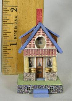 Light Green Shade Gold Stand 1//144th Scale Dollhouse Miniature Lamp