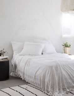 California home with Mediterranean touches by Leanne Ford White Bedroom Design, All White Bedroom, White Bedroom Furniture, White Bedding, Shabby Chic Furniture, Bedroom Decor, Bedroom Ideas, White Bedrooms, Quirky Bedroom