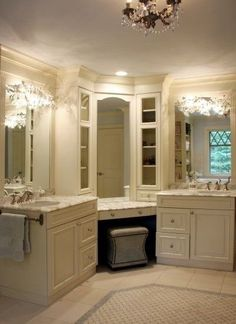 Master Bath Corner Vanity Design Ideas, Pictures, Remodel and Decor Dream Bathrooms, Beautiful Bathrooms, Master Bathrooms, Master Baths, Small Bathrooms, Master Bathroom Vanity, White Bathrooms, Master Shower, Luxury Bathrooms