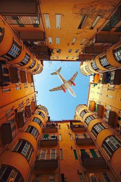 WOW! This airplane is captured enclosed in this building! Really perfect timing! <3 <3