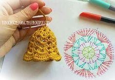 Crochet christmas bells New Ideas Crochet Christmas Decorations, Christmas Crochet Patterns, Crochet Christmas Ornaments, Crochet Decoration, Crochet Snowflakes, Christmas Bells, Crochet Motifs, Crochet Chart, Crochet Stitches
