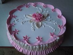 Wet Cakes added a new photo. Buttercream Cake Designs, Buttercream Flower Cake, Cake Icing, Eat Cake, Cupcake Cakes, Cake Decorating Designs, Cake Decorating Videos, Cake Decorating Techniques, Cookie Decorating