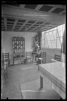 [Interior of Diego Rivera and Frida Kahlo's studio-house, Mexico City], 1934 Martin Munkacsi, Most Famous Photographers, Diego Rivera, Mexico City, Studio, Modern, House, Plate, Interiors