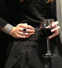 JAN LOGAN - 18ct gold onyx & diamond Broadway ring, 18ct gold diamond bands, Sterling silver Mesh cuff (wine from Margaret River).