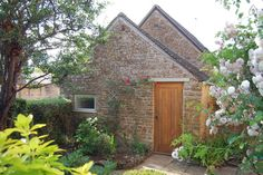 Check out this awesome listing on Airbnb: Cotswold Stone Hideaway. - Houses for Rent in Moreton In Marsh
