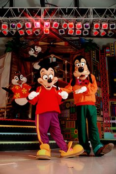 """Check out the """"Goof Troop"""" on stage in Mickey's Starland back in 1992!"""