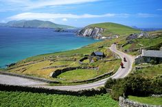 50 Unique Things To Do in Ireland: Drive the Wild Atlantic Way Roadtrip Europa, Cork, Stuff To Do, Things To Do, Single Travel, Republic Of Ireland, Ireland Travel, Day Tours, Solo Travel