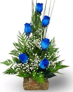 A beautiful blue rose center piece. Valentine Flower Arrangements, Large Flower Arrangements, Funeral Flower Arrangements, Large Flowers, Beautiful Flowers, Altar Flowers, Church Flowers, Funeral Flowers, Ikebana