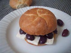 Pan con aceituna (Olive sandwich) – My picnic essential   PERU DELIGHTS