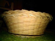 proutěný košík vyráběné na krouzku