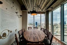 Tel Aviv - A rustic decorated conference room offers a quaint place to meet with views of the city below and beyond. Modern Office Design, Office Interior Design, Office Interiors, Modern Offices, Contemporary Office, Tel Aviv, Google Office, Israel, Office Pictures