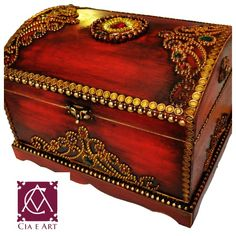 Apostila de pintura Decorativa Rose Menezes: Adquira o seu kit Baú Sherazade Painted Boxes, Wooden Boxes, Thali Decoration Ideas, Rajasthani Art, Creative Box, Decoupage Box, Antique Boxes, Altered Boxes, Vintage Crafts