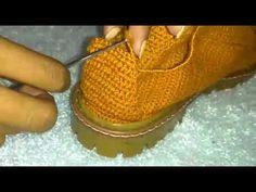 Crochet Sandals, Crochet Boots, Crochet Slippers, Crochet Shoes Pattern, Shoe Pattern, Crochet Humor, Funny Crochet, Spring Boots, Crochet Videos