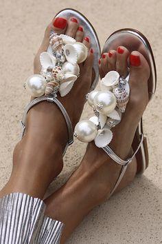 Sandals Outfit, Shoes Sandals, Heels, Shoe Clips, Beach Shoes, Shoe Art, Wedding Shoes, Designer Shoes, Me Too Shoes