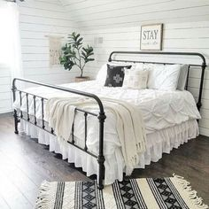 Are you looking for pictures for farmhouse bedroom? Browse around this site for amazing farmhouse bedroom ideas. This farmhouse bedroom ideas seems to be entirely fantastic. Modern Farmhouse Bedroom, Farmhouse Design, White Farmhouse, Farmhouse Decor, Farmhouse Interior, Farmhouse Ideas, Farmhouse Bed Frames, Farmhouse Style Bedding, Bedroom Country