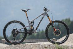 Downhill Bike, Mtb Bike, Bicycle, Rear Ended, Bike Style, Bike Design, Extreme Sports, Cross Country, Mountain Biking