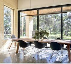 Australian Architecture, Australian Homes, Dining Room Inspiration, Interior Design Inspiration, Design Ideas, Halcyon House, Minimalist Dining Room, Architecture Awards, Country Interior