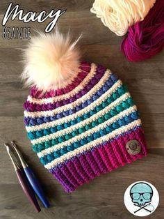 We present the Macy& Beanie Pattern! This fun, versatile and structured m . We present the Macy& Beanie Pattern! This fun, versatile and structured m . Bonnet Crochet, Crochet Beanie Pattern, Crochet Hooks, Free Crochet, Knit Crochet, Crochet Adult Hat, Doilies Crochet, Loom Knitting, Knitting Patterns