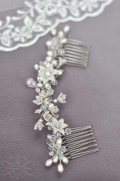 Haarschmuck & Kopfputz - Braut Haarschmuck Kamm & Perlen Hochzeit Ha... - ein Designerstück von Princess_Mimi bei DaWanda