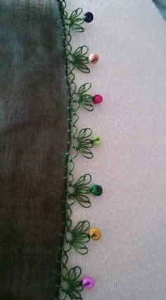 This Pin was discovered by Hac Crochet Motifs, Crochet Borders, Bead Crochet, Crochet Crafts, Crochet Lace, Pearl Embroidery, Embroidery Stitches, Hand Embroidery, Crochet Unique