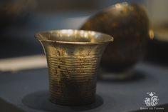 Achaemenid objects in the British Museum White Lotus Flower, Achaemenid, Cross Hatching, Iranian Art, Anglo Saxon, British Museum, Floral Motif, Metal Working