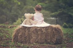 Inspiring image of the Week by BlueBelle Photography by Tina Lane on http://learnshootinspire.com #baby #photography