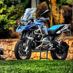 "3,430 mentions J'aime, 16 commentaires - BMW GS (@bmwgsfans) sur Instagram : ""BMW R1200GS ADVENTURE . . . @arkacanta #makelifearide #bmw #r1200gs #tour #bmwgram #bmwgsfans…"""