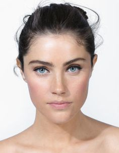 Founded by Bobbi Brown, justBOBBI is a modern lifestyle platform for all things wellness, beauty, travel and more. Anna Speckhart, Fill In Brows, Fc B, Under Eye Concealer, Thing 1, Younger Looking Skin, Long Lashes, Perfect Makeup, Fair Skin