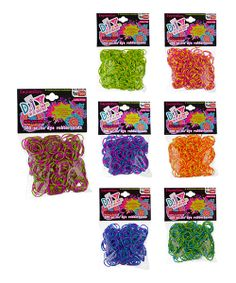 This fun do-it-yourself set comes with seven packs of colorful rubber bands for creating an endless variety of stretchy fun.Includes seven packs of 300 rubber bandsLatex-freeRecommended for ages 3 years and upImported