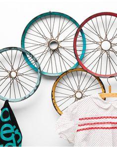 Wall-mounted stainless steel coat rack WAGON WHEELS by KARE-DESIGN #wheel #decor @karedesign