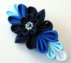 Kanzashi fabric flower french barrette. Blue kanzashi por JuLVa