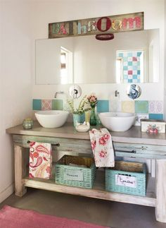 Bathroom Cabinet: 65 Tips to Organize and Decorate - Home Fashion Trend Mdf Furniture, Moroccan Bathroom, Wooden Closet, Boutique Decor, Drawer Design, Rustic Bathroom Decor, Living Room Green, Cabin Design, Bathroom Colors
