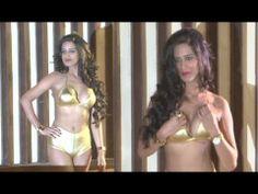 Poonam Pandey's UNCENSORED photoshoot video.