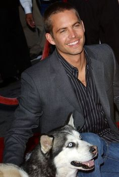 """Paul Walker Photos Photos - LA premiere of """"Eight Below""""..El Capitan, Hollywood, CA..February 12, 2006..Job: 60212A1..(Photo by Axelle Woussen/Bauer-Griffin)..Pictured: Paul Walker. - Paul Walker File Photos"""