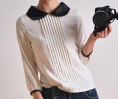cute blouse!