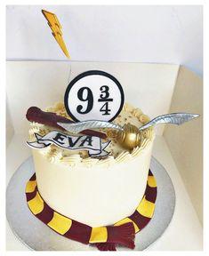 Harry Potter Desserts, Bolo Harry Potter, Gateau Harry Potter, Harry Potter Nails, Harry Potter Birthday Cake, Harry Potter Girl, Theme Harry Potter, Harry Potter Food, Harry Potter Wedding